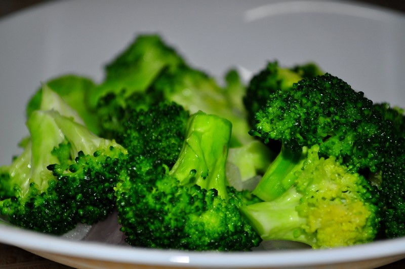 how to eat broccoli for bodybuilding