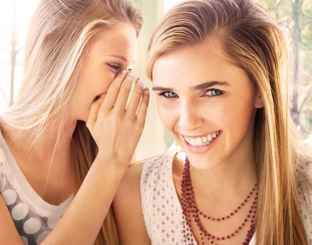 girls-gossip
