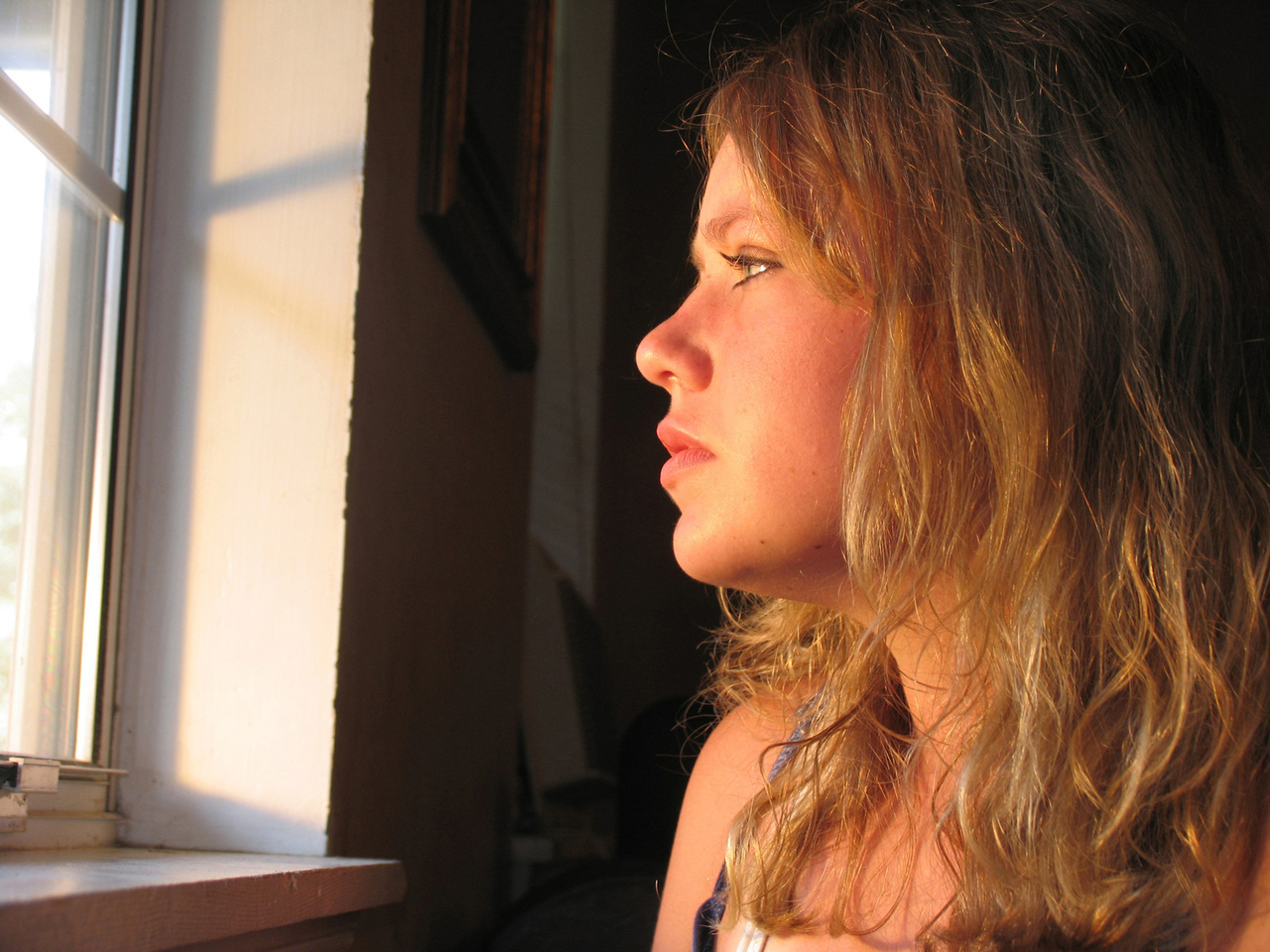 in-the-window-1504767-1280x960