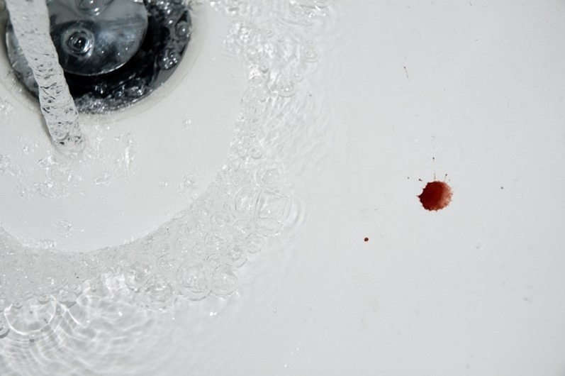 blood-in-sink