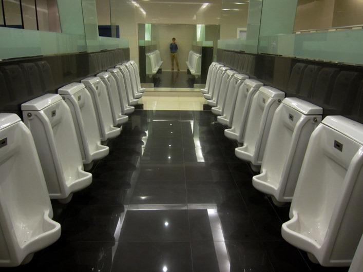 lots-of-urinals